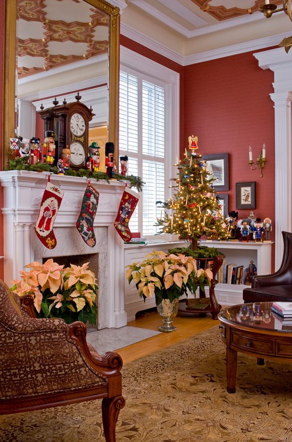 Thumbnail image for maury-place-at-monument-christmas-1.jpg